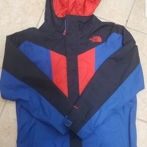 The North Face Jackets & Coats - The North Face boys jacket size Medium